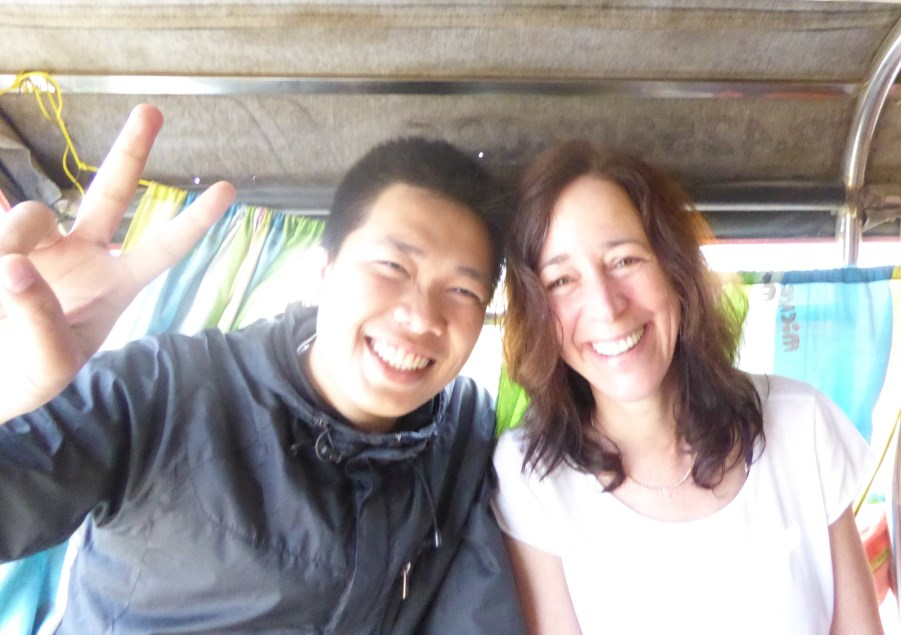 This is our guide Win. This lovely smile is permanently stuck to his face.