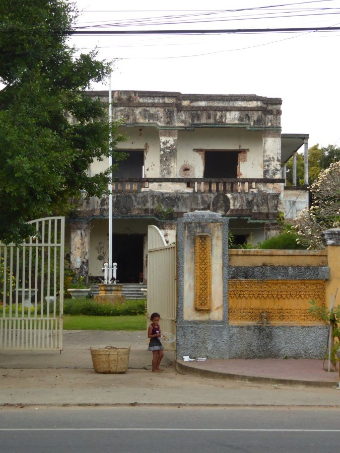 Along the coast there are a number of buildings abandoned by the French when Pol Pot took over.