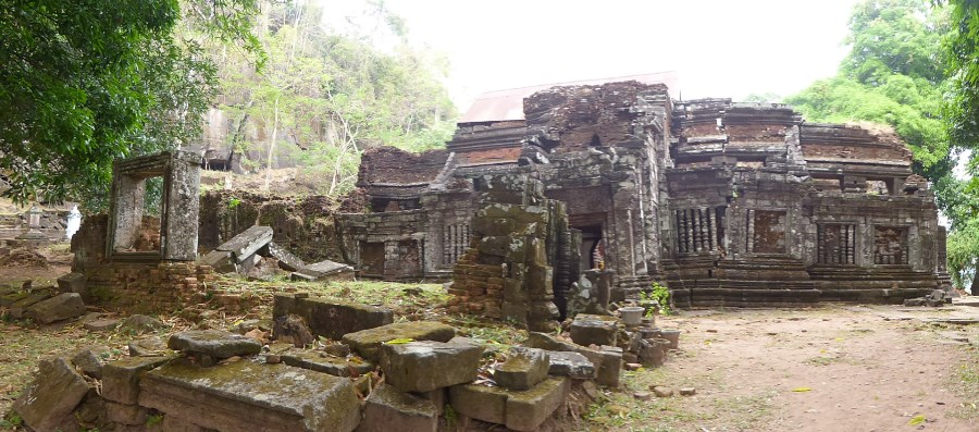 ... to this temple at the top. See the stone lintels and window frames!.
