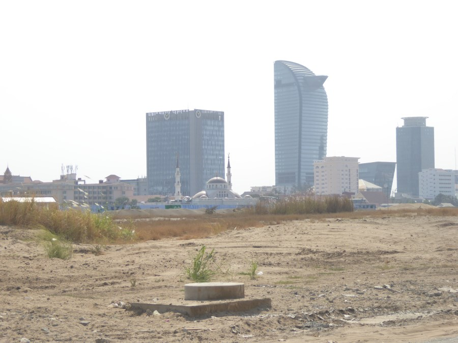 See how well located this site is with the skyscapers of the capital city in the background. The civil services are visible in the foreground.